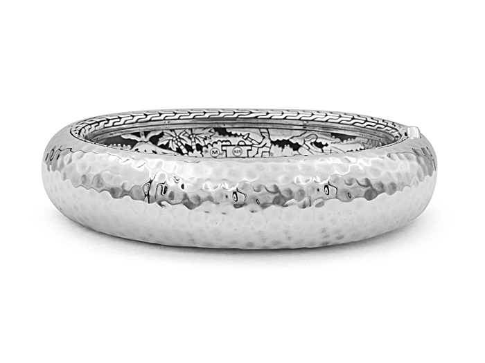 John Hardy Silver Large Classic Chain Hammered Oval Hinged Bangle Bracelet