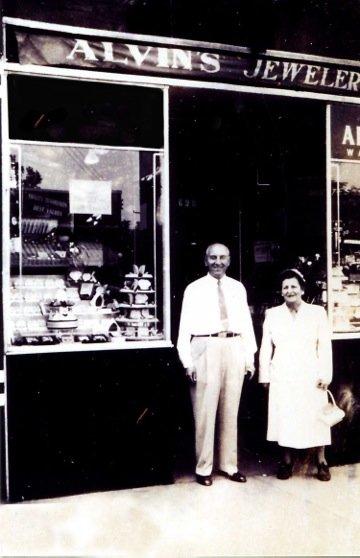 alvins-jewelers-storefront