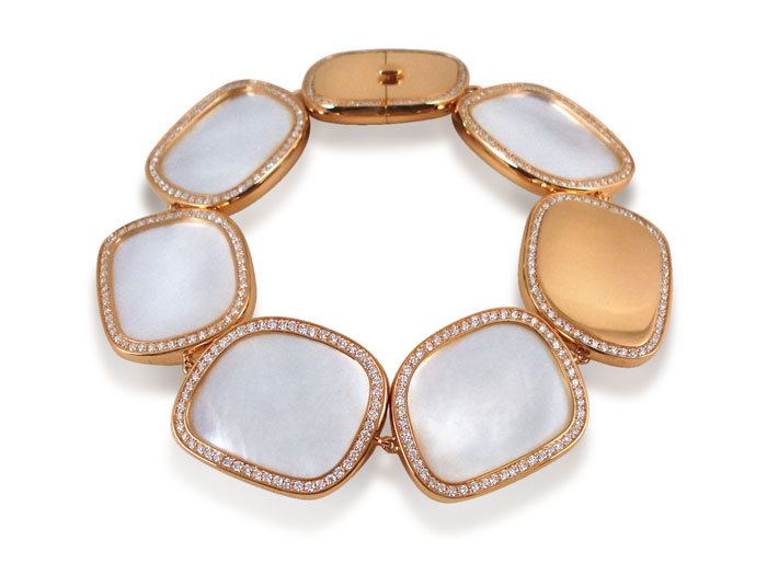 Roberto Coin Large Link Bracelet, Fashioned in 18K Rose Gold, Featuring Mother of Pearl =49.45cts Total Weight, Accented with Round Diamonds =2.78cts Total Weight