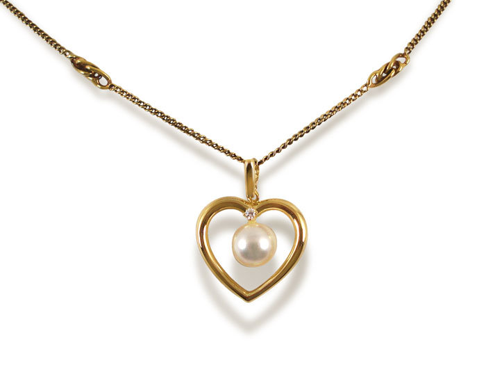 Alson Signature Collection Heart Shaped Necklace, Fashioned in 18K Yellow Gold, Featuring a 7.0mm Pearl, Accented with a .02 Carat Round Diamond