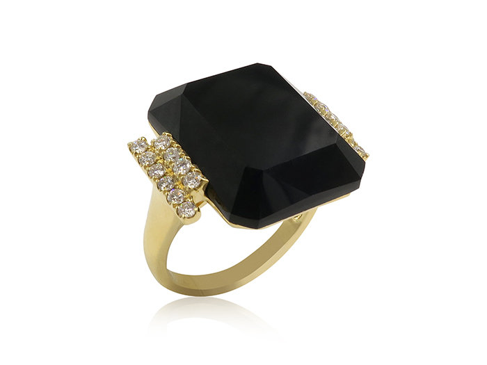 Doves 18K Yellow Gold Diamond Ring with Black Onyx. 20 Diamonds=.37cts. Total Weight and BO 12.23.