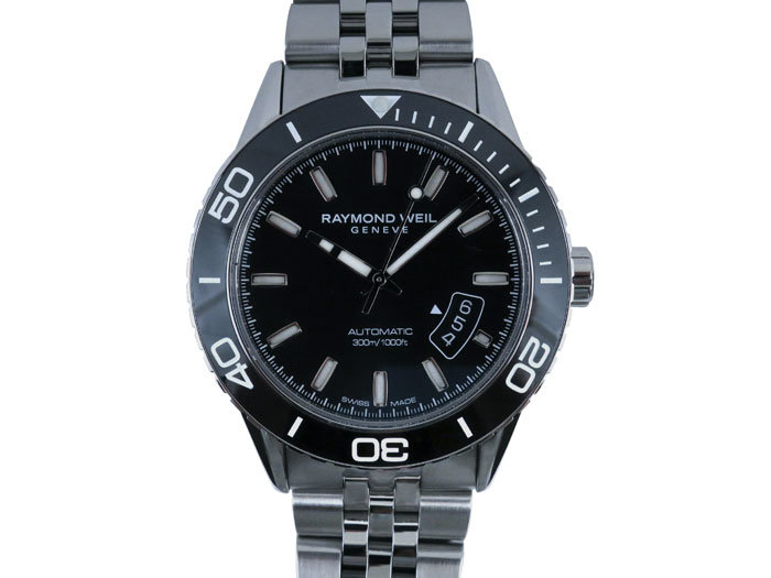 Raymond Weil Freelancer Diver 42MM Stainless Steel Watch, Featuring a Black Bezel, Black Dial and Automatic Movement